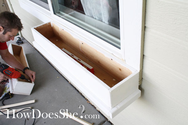 how to make a cedar window box