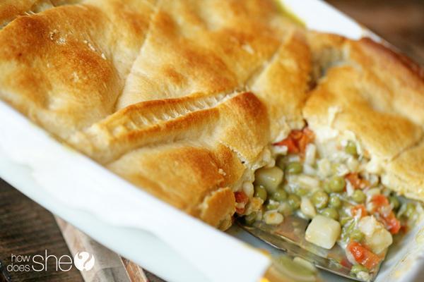 Easy Chicken Pot Pie Casserole Recipe - 10 minutes or less!