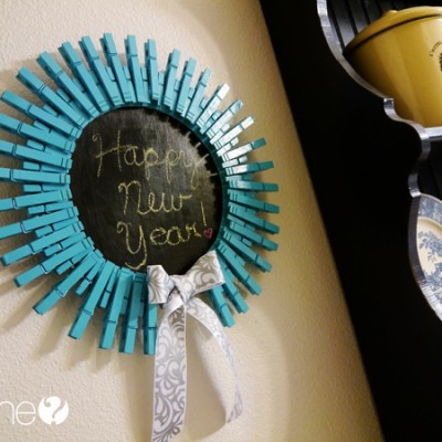 Clothespins + Chalkboard Paint = The cutest note board ever!!