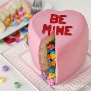 conversation-heart-pinata-cake 2