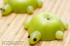 A-Healthy-Kids-in-the-Kitchen-Recipe-Easy-Apple-Turtles-at-B-Inspired-Mama