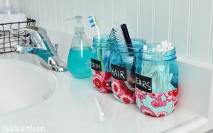 Bathroom-Organizer-Mason-Jars-Tween-craft-@clubchicacircle