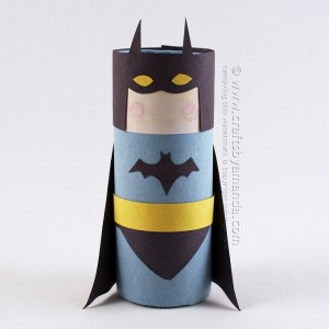 Cardboard-Tube-Batman-680-600x600