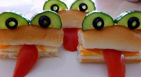 Fun-Frog-Sandwiches1-300x247