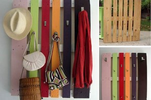 DIY-pallet-coat-rack