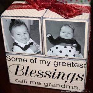 Capture Their Handprints And Make Grandma A Handprint Apron Fun For The Kids Too