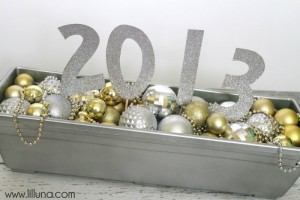 New-Years-Centerpiece-Cute-and-easy.-Tutorial-on-lilluna.com-