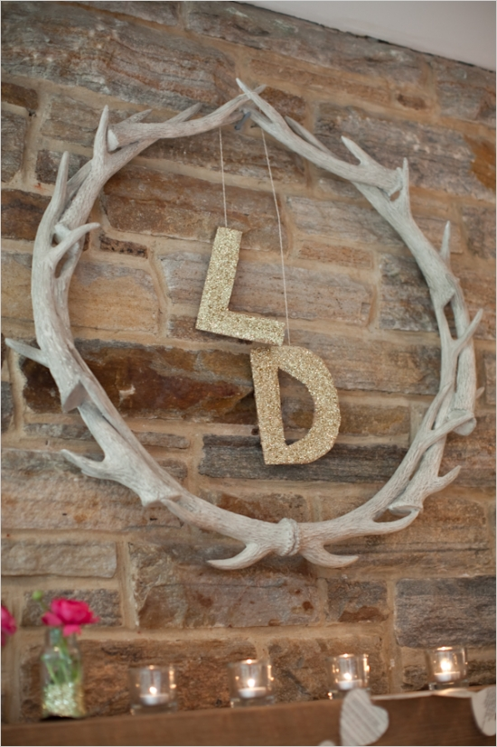 18 awesome antler decorating ideas 6 and 17swoon how does she antlers 11 solutioingenieria Images