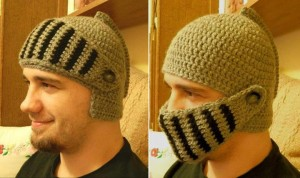 crochet-knight-helmet-winter-hat