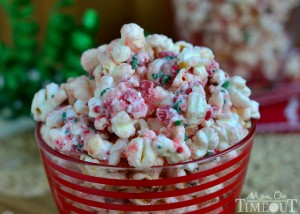 peppermint-crunch-popcorn-christmas-treat[1]