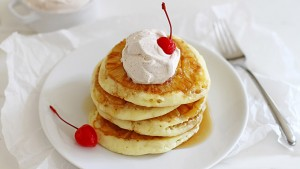 2014-10-01-pineapple-pancakes-6-680x384