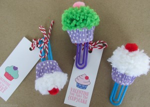 Cupcake-Bookmark-Craft-and-Free-Printable-Valentine-Cards-BrenDid-20