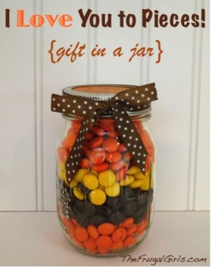 I-Love-You-to-Pieces-Reeses-Pieces-Gift-in-Jar