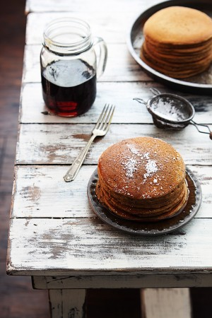 gingerbread-pancakes-11