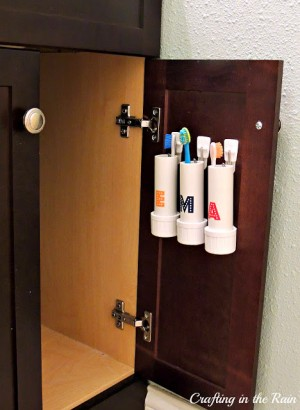 hang-toothbrushes-in-cabinet