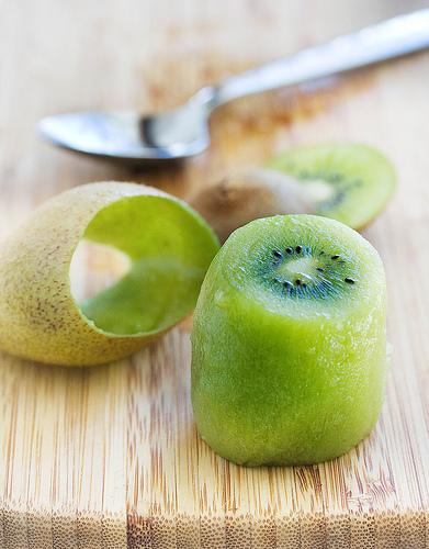 18. peel kiwi