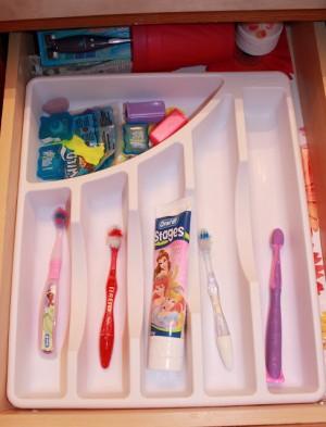 silverware trays to organize bathroom drawers