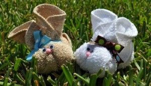 how-to-make-a-washcloth-bunny_ArticleImage-CategoryPage_ID-887995