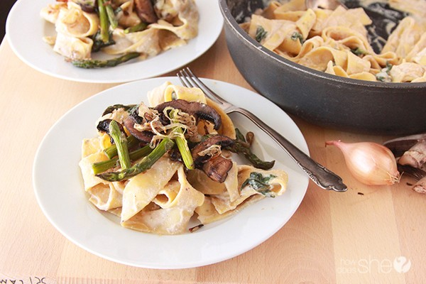 Pappardelle with Asparagus, Mushroom, and Ricotta