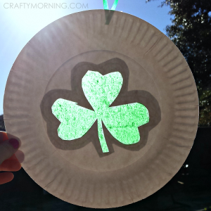 shamrock-sun-catcher-paper-plate-craft