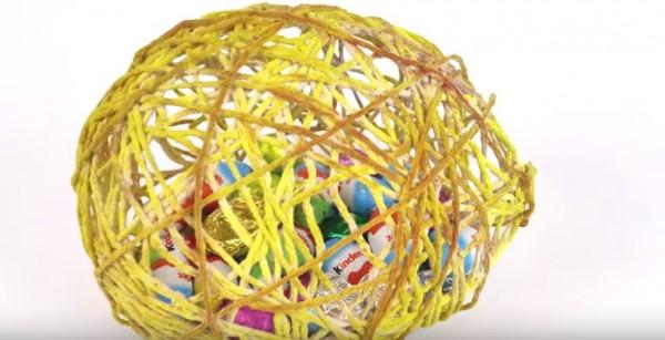 string balloon egg