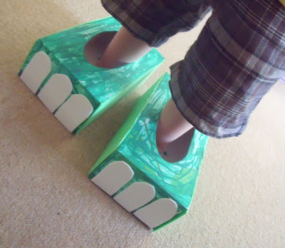 tissue box feet