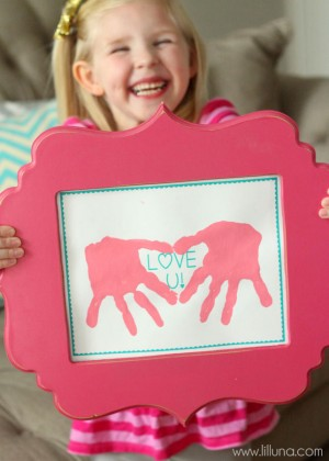 CUTE-Love-Hand-Prints-Gift-Idea-perfect-for-Valentines-lilluna.com-