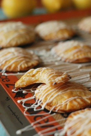 Mini-Lemon-Hand-Pies-4-700x1046