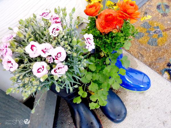 cute rainboot planter tutorial (8)