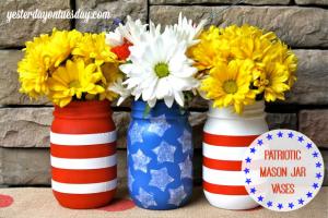 Patriotic-Mason-Jar-Vases