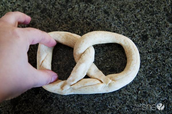 german style soft pretzels (11)