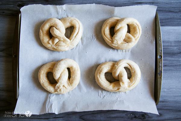 german style soft pretzels (16)