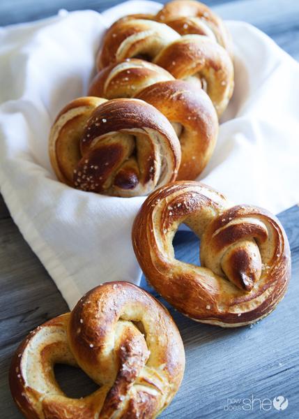 german style soft pretzels (20)
