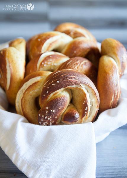 german style soft pretzels (21)