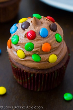 Chocolate-Cupcakes-with-Nutella-Frosting-2