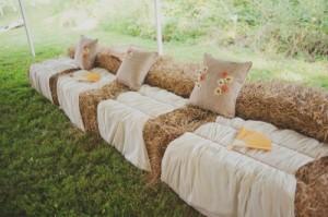 Rustic-Wedding-Seating-Hay-Bales-500x332