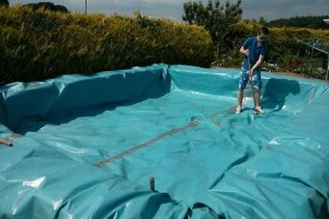 bale-hay-swimming-pool-5