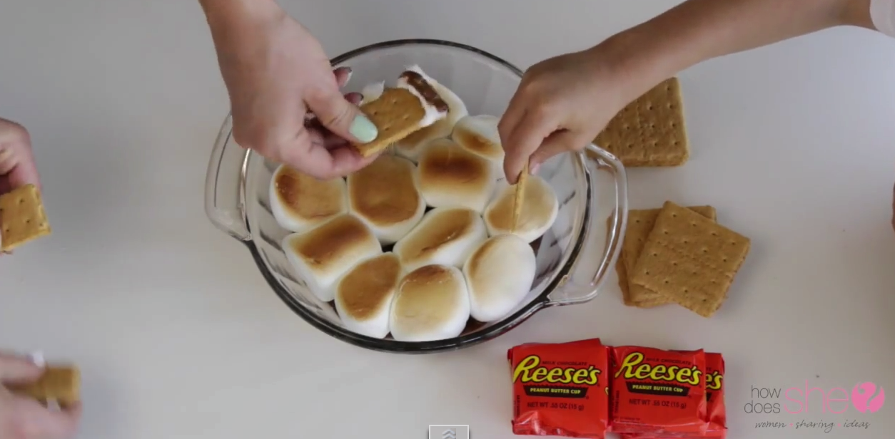 How Does She Make S'mores Dipping Sauce