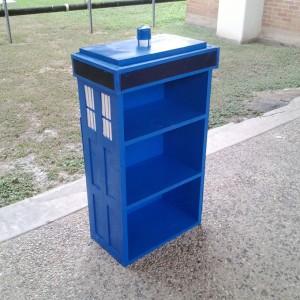 dr-who-TARDIS-Shelf-3