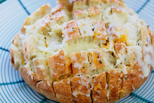 The-Perfect-Side-Dish-Cheesy-Bread