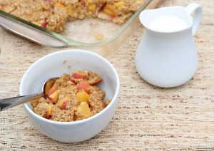 Baked-Oatmeal-with-Peaches-Cream