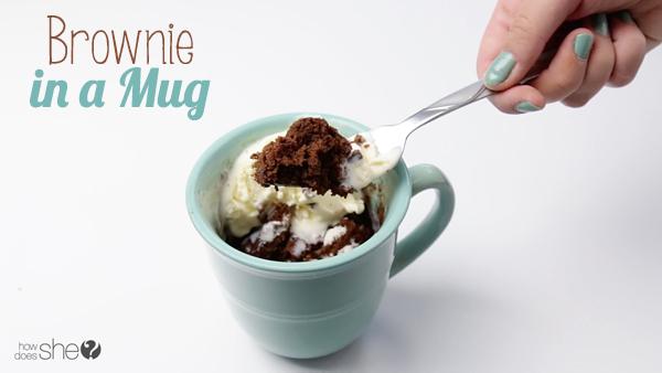 How Does She Make Brownie In a Mug?