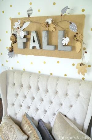 fall-burlap-wall-hanging-at-tatertots-and-jello