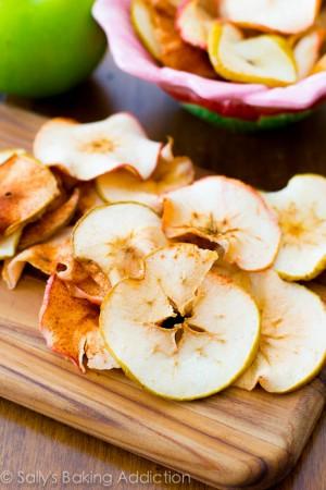 Baked-Cinnamon-Apple-Chips-3