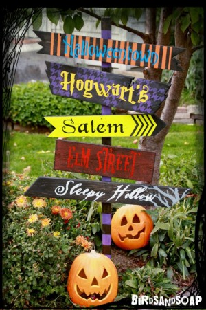 Halloween-Direction-Sign-spooky