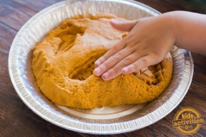 Pumpkin-Pie-Play-Dough-10-copy