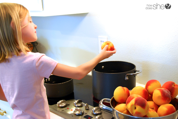 just peachy - learn to can peaches (6)