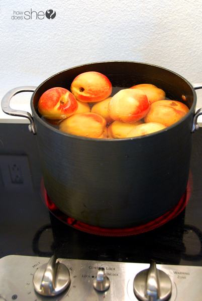 just peachy - learn to can peaches (7)