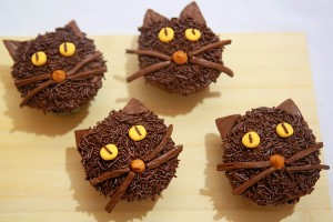 Black-Cat-Cupcakes_finaal1