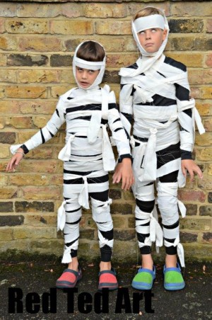 19 no sew diy halloween costumes you your kids will love easy halloween costumes solutioingenieria Choice Image